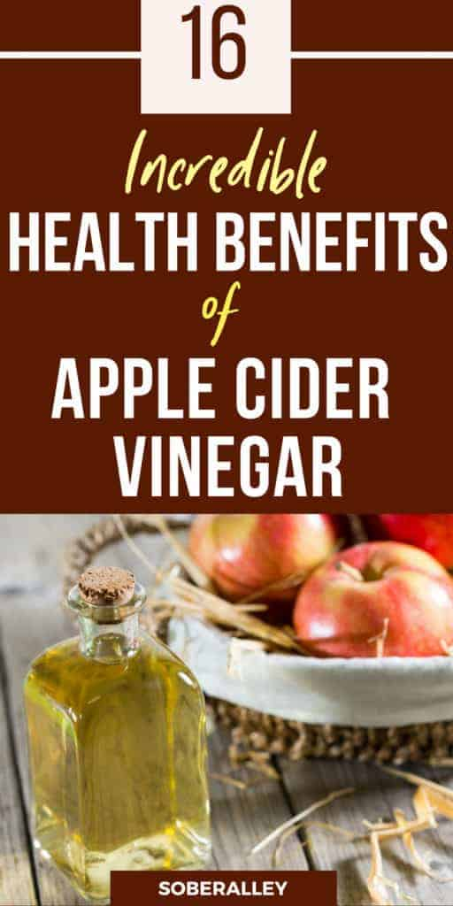Apple cider vinegar has so many uses health benefits! Apple cider vinegar (ACV) can detox and cleanse the body, cure yeast infections, aid constipation, help you lose weight fast and more! Click to read all about how you can use apple cider vinegar in drink recipes before bed or anytime!