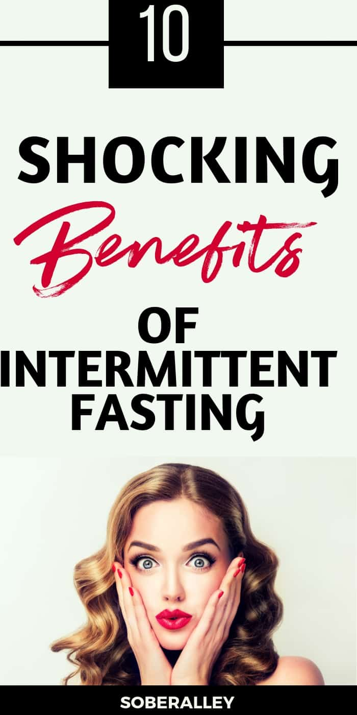 There are so many benefits of intermittent fasting for fast weight loss. HEre are 10 intermittent fasting benefits to help you lose weight fast!