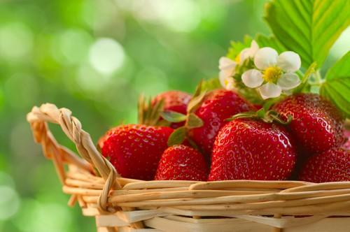 zero calorie food strawberry